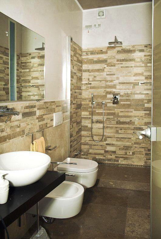Rivestimento doccia in mosaico  #mosaici #mosaics #shower #bathroom #interiordesign #doccia #bagno #arredare #designdiinterni