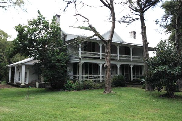 Spooky Southern Mansions for Sale - Historic Homes for Sale - Country Living