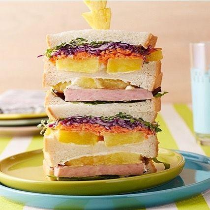 パイナップルとスパムのたっぷり野菜サンド🍍🍅🍞  カラフルで見た目も楽しいタワーサンド😋  週末のお花見にも◎👍💕  *  #Dole #dole #pineapple #spam #sandwich #instafood #ドール #パイナップル #スパム #サンドイッチ #わんぱくサンド