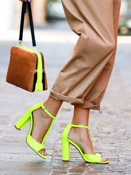 Fluorescent #Toe #Sandals In Green