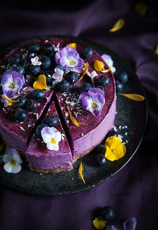 Vegan no bake blueberry cheesecake
