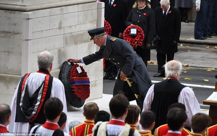 Remembrance Sunday: Prince Charles lays Cenotaph wreath | Daily Mail Online