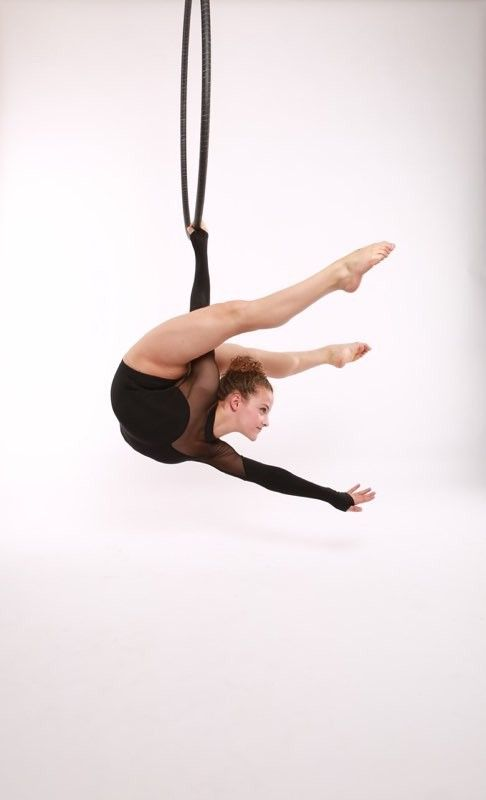 10 best intro images on pinterest sofie dossi contortionist and deporte - Sofie dossi gymnastics ...