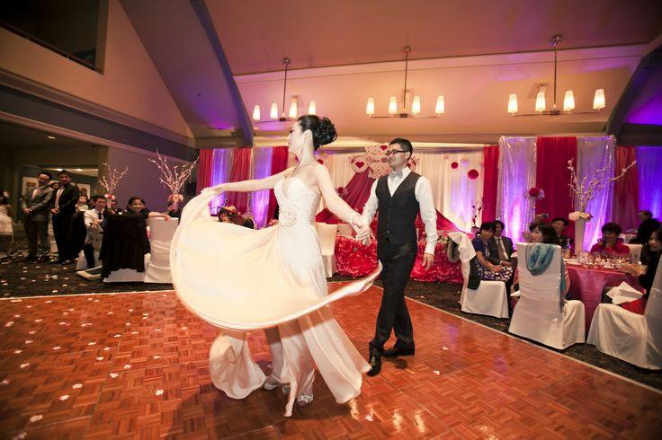 Angus Glen Golf Club Wedding | Hedy and Eric | Beautiful first dance  #torontoweddingphotographer #weddingphotography #weddingreception #angusglen ~ http://www.focusproduction.ca/hedy-eric-angus-glen-golf-club-wedding/