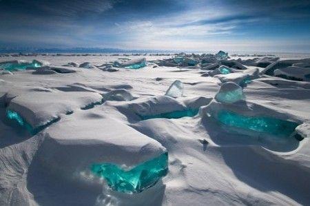 Feb '17: Eistauchen im Baikalsee (Sibirien) - Februar/März 2017. Unglaublich spektakulär und unvergesslich. Ihr seid auf der Suche nach dem Nervenkitzel inmiten von Eis und Schnee? Packt den Trocki ein und kommt mit uns nach Sibirien! #eistauchen #sibirien #baikalsee #eis #schnee #blauerhimmel #kälte #trocki #tauchen #unvergesslich #atemberaubend #spektakulär #touchedbynature #wirodive