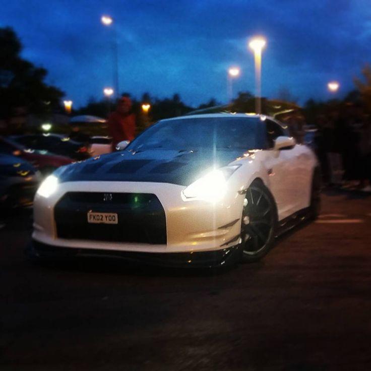 Nissan GTR Black edition, Feel free to contact me if you want to use any images. #nissan #nismo #nissanskyline #night #jdmgram #japanesecars #jdm #godzilla #japan #tokyo #cardiff #black #nissangtr #gtr #photographs #photograph #photography #portfolio #carmeet #expensivecars #modified #money #drift #burnout http://tipsrazzi.com/ipost/1508057124444414795/?code=BTtsfbzgaNL