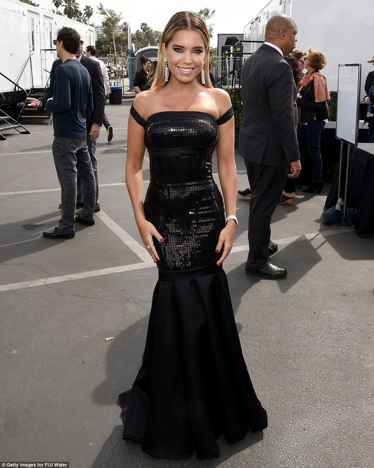 Stopped before she even hit the carpet:  Sylvie Meis was snapped in the parking lot on her...