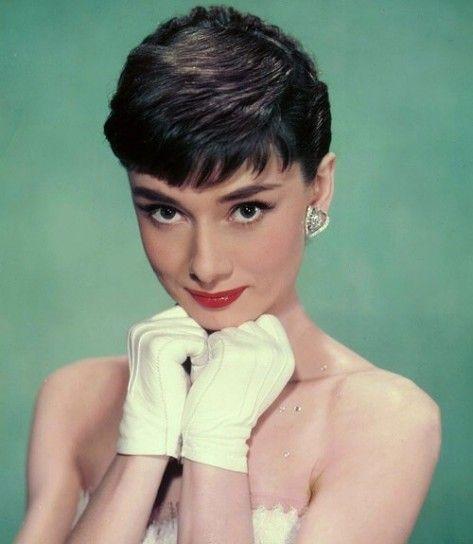 Audrey Hepburn taglio di capelli anni '60