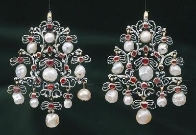 Earrings 1650-1700