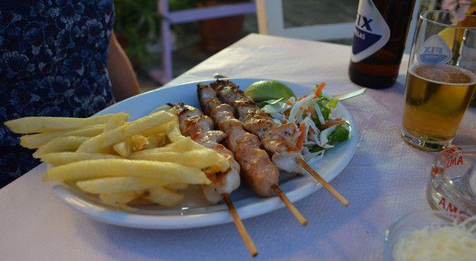 souvlaki-espetinho-frango-comidas-gregas