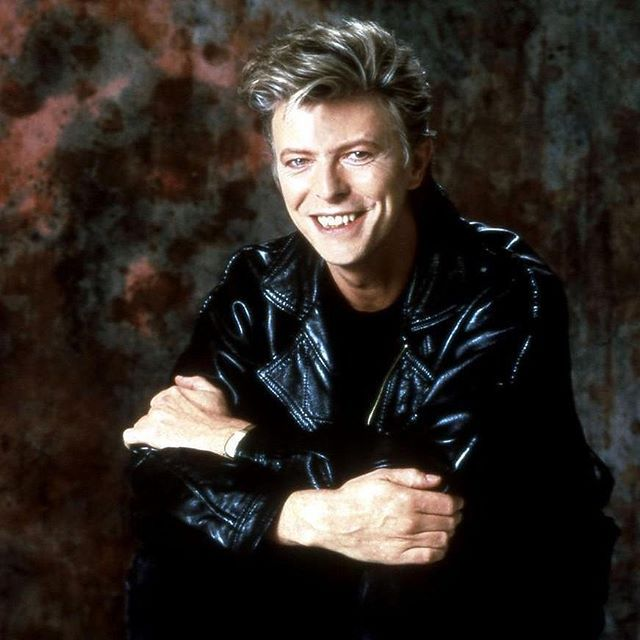 Follow us if you love DAVID BOWIE! Love to tag? Please do! @glowingandy  #davidbowie_fanlove #davidbowie #davidbowieforever #davidbowieis #davidbowietattoo #davidbowiecover #davidbowiefan #davidbowielove #davidbowieisgod #davidbowierip #davidbowieart #pop #rock #music #omg #davidbowie_official