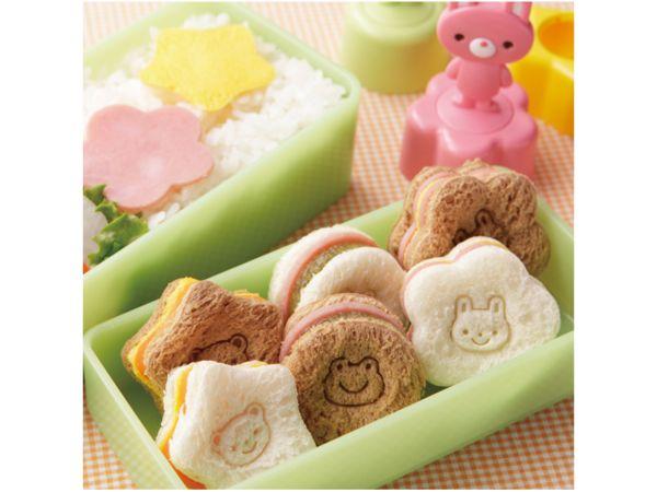 Brood met gezichtje is een Japans idee om kinderen een feestelijk en gezond broodje op school te laten eten. Dus draagt bij aan een afwisselende lunch. Met
