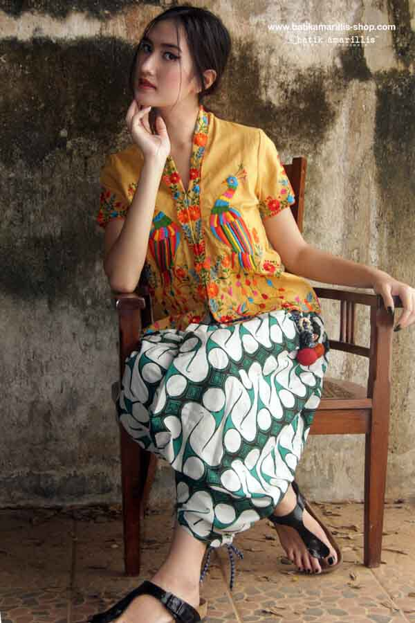 Batik Amarillis's Resort 2015 ... Batik Amarillis's Tribal pants It's freesize,it's Super cool ,comfy ethnic inspired pants!it has great detail with drawstring on both side,when you draw,it create a ruffle,pull it up to your knee,it becomes a baloon skirt & it also features our siggy lollies !
