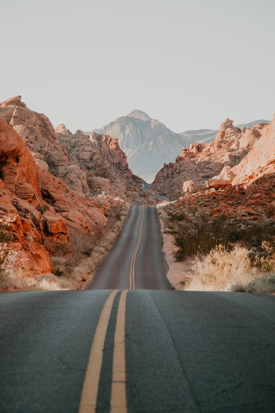 Die Tapete Valley of Fire bietet auch eine schöne Kulisse für ein Engagement …   – wanderlust