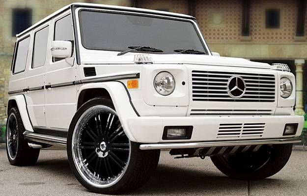 OHH my sweeet beautiful WHITE Mercedes G Wagon....You will be mine one day, oh yes, you will be mine. Except I need it in ALL white. White rims, white leather! Soooo pretty! :))