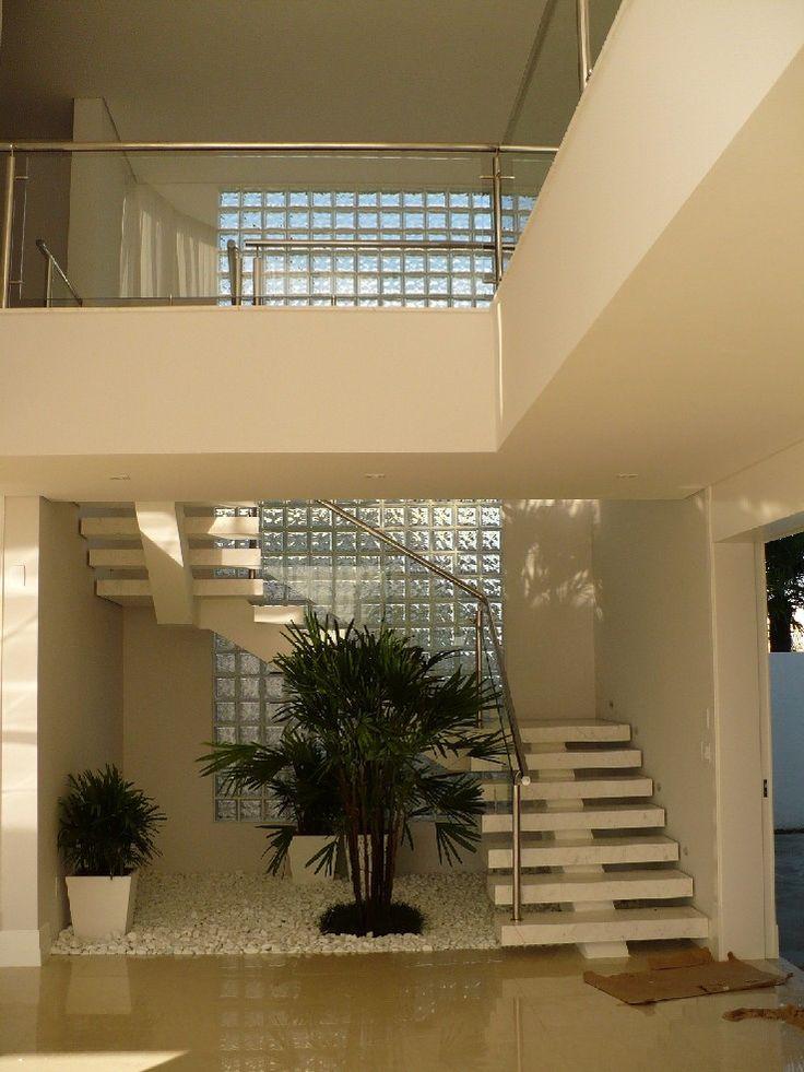 escadas vazadas com viga central - Google Search