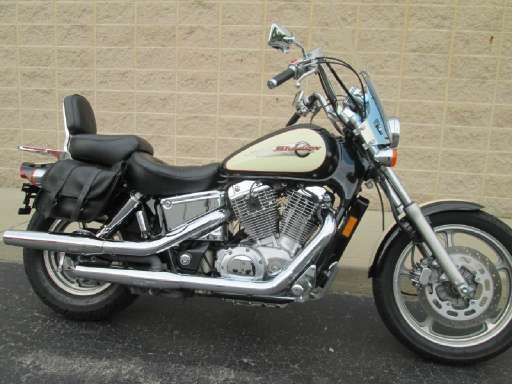 Check out this 1998 Honda Shadow Spirit listing in Fort Wayne, IN 46803 on Cycletrader.com. It is a Cruiser Motorcycle and is for sale at $2250.