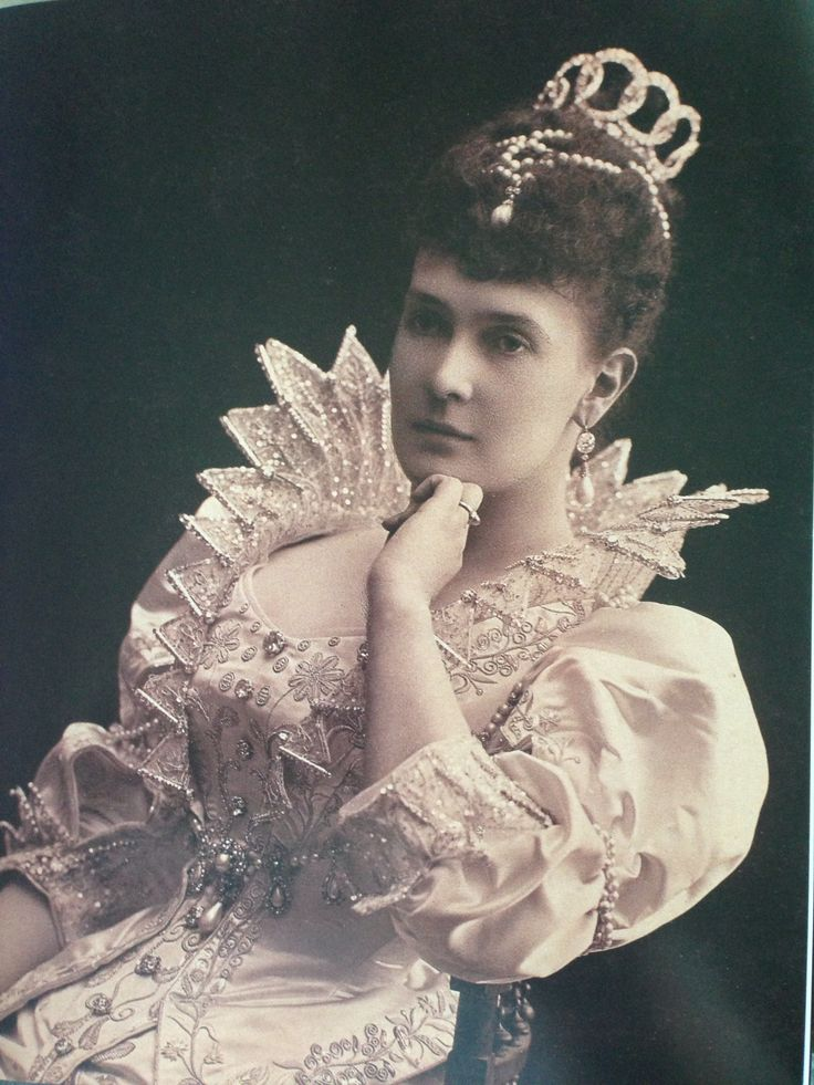 194 best images about REAL Tiaras, in play on Pinterest ...