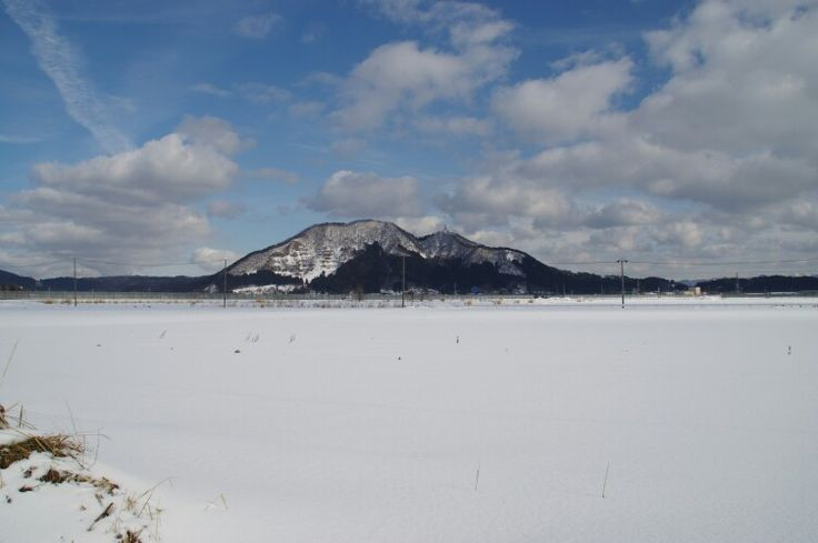 Mori mountain 2015-01-21(Hachirogata town) 八郎潟町から見える森山
