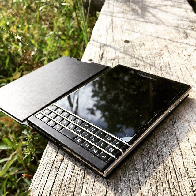 cheap for discount 7a5e5 834f9 BlackBerry Passport | blackberry în 2019