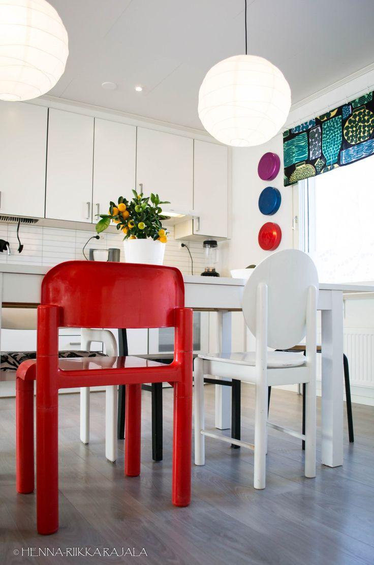 Eero Aarnio Upo Furniture chair https://moniajoa.wordpress.com/2017/04/16/sisustusprojekti-kevainen-retrokeittio/