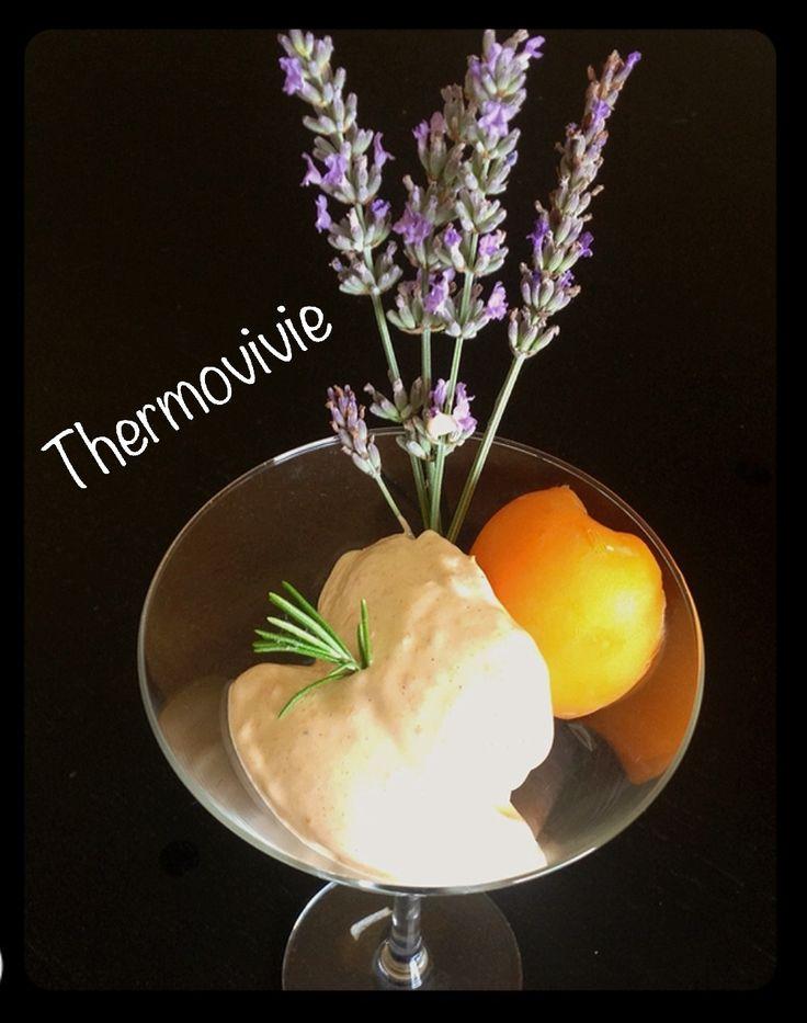 Un sorbet glacé très original tant par la présence d'un fruit et d'une fleur que par le goût subtil de cette association.. La lavande puissante et parfumée dans un premier temps, puis vient la douceur et la gourmandise de l'abricot.. Un vrai régal.. Surtout...