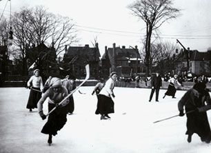 University of Toronto Women's hockey team playing at Victoria College Rink