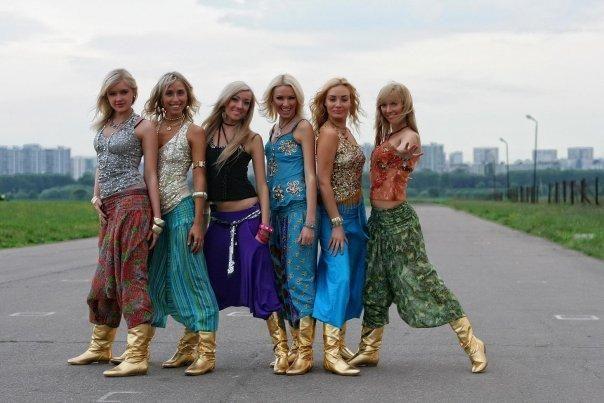 Этнический стиль: афгани, алладины, длинные юбки