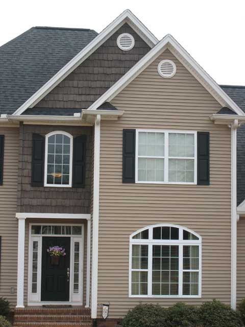 17 best images about house exterior on pinterest the for Popular vinyl siding colors
