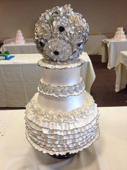 White and Black Wedding CakeDesserts Pin, Yummy Desserts, Black Weddings, Cakes Cupcakes, Fabulous Cake, Awesome Cake, Yummy Cake, Ruffles Cake, Black Wedding Cakes