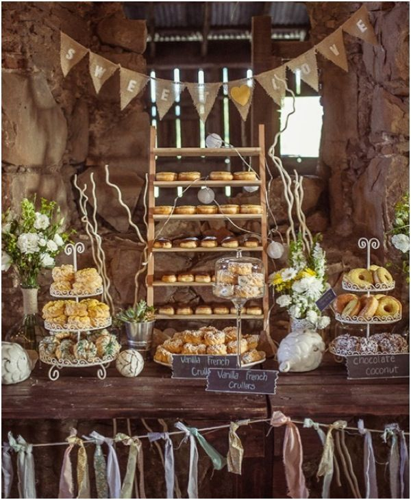 Wedding Philippines - 25 Cool and Fun Donut Bar Buffet Food Ideas For Your Wedding (20)