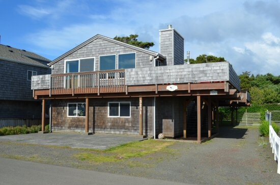 17 best images about ocean view vacation homes on for Beach house rentals cannon beach