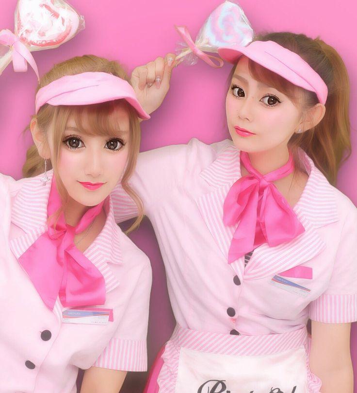 . . ひらりとの2人で撮ったプリ . . . #Halloween #happyHalloween #ハロウィン #ハッピーハロウィン #トリックオアトリート  #渋谷ハロウィン #渋ハロ  #shibuya #today #pink #waitress #ウエイトレス #プリクラ # #Candy #ゆうりひらり #TBT #twin #friend #friends #ponytail  #コスプレ #仮装 # #like4like #follow4follow