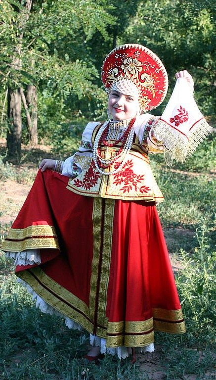 Russian girl in traditional dress. #kids