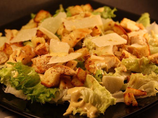 Rețetă Antreuri : Salata caesar de JustLoveCookin