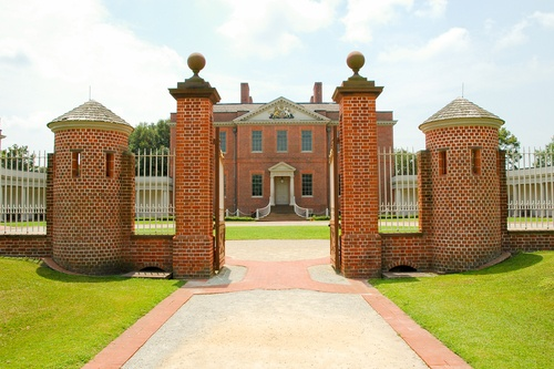 Historic Tryon Palace in New Bern, North Carolina {Many parts of Sleepy Hollow have been filmed here!}