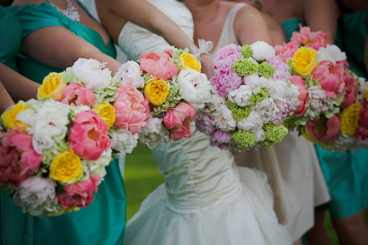 Gorgeous #Bouquets by Fragrant Design! See the wedding on SMP - www.StyleMePretty... Allori PhotographyFlower Pictures, Bridal Bouquets, Colors Brides, Blue Colors, Bold Colors, Gorgeous Bouquets, Bridesmaid Bouquets, Brides Bouquets, Bouquets Flower