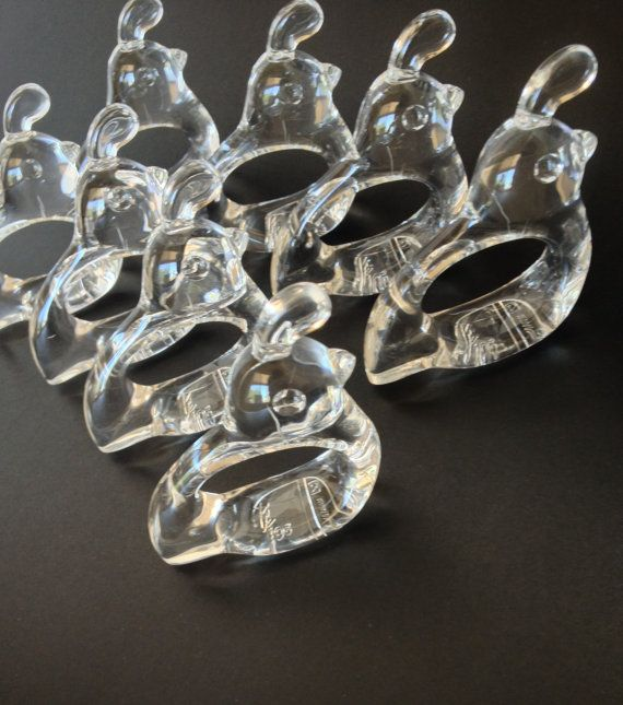 A covey of quail acrylic napkin rings by Bijan, excellent condition. Perfect for your Southwest dining table, everyday use or special occasions. No box, set of 8, marked on the bottom Bijan Taiwan.  Measure: 4 from top of plume to tip of tail, 1/2 wide  Perfect hostess gift, put in a basket with 8 new Southwestern napkins - love it!  Before purchasing, please convo me with any questions or if you would like more pictures, no returns. Always happy to combine shipping.  PLEASE NOTE: Most ...