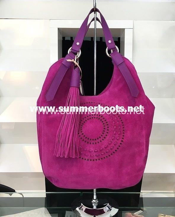 Итальянская сумка замшевая натуральная   Итальянская сумка-торба из натуральной замшисиреневогоцвета, с кожаными ручками, декорир�