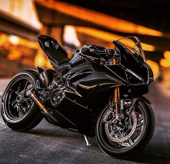 Pin By R3n3 On Cool Rides Sport Bikes Black Beast Bike