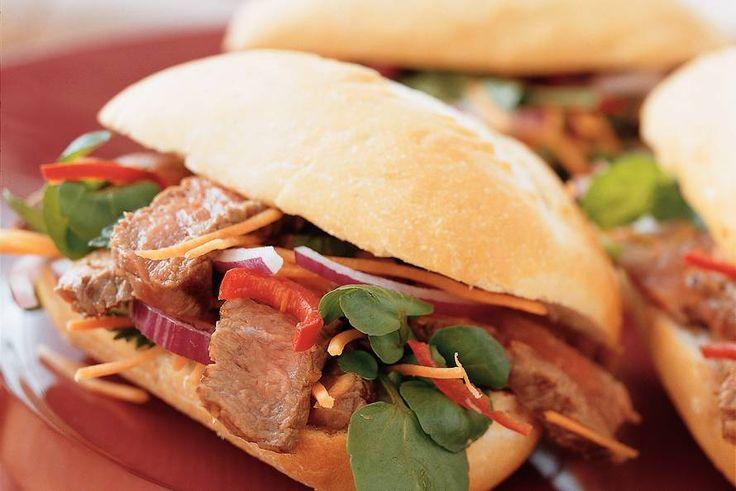 Vietnamees broodje biefstuk - Recept - Allerhande