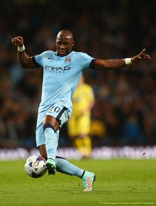 Eliaquim Mangala en favor del Manchester City: Capital One Cup.