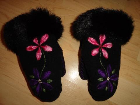 Inuit made mitts w/ fur trim by Saksagiak Susan
