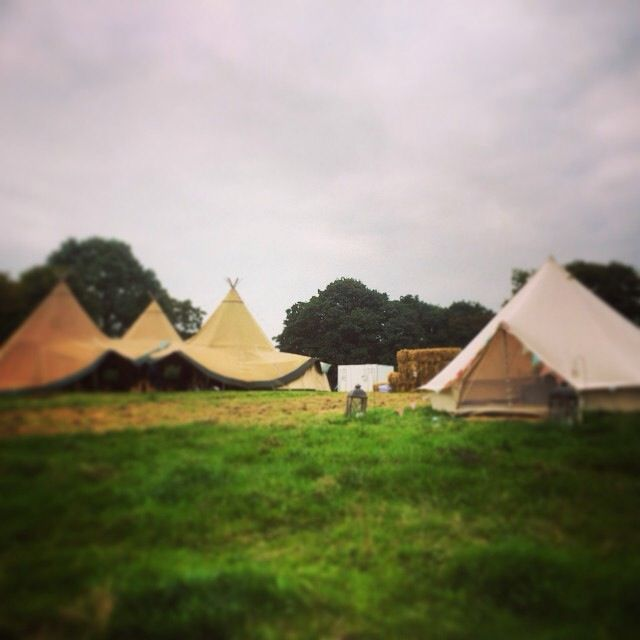 Perfectly paired with a bridal bell tent from @tinkersbells  #belltents #glamping #tipis #teepees #tipiwedding #teepeewedding #midlands #tipihire #derbyshire #marquee #peaktipis #outdoorwedding