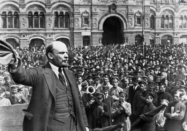 bolsjewieken ( de roden ) dat waren de communisten