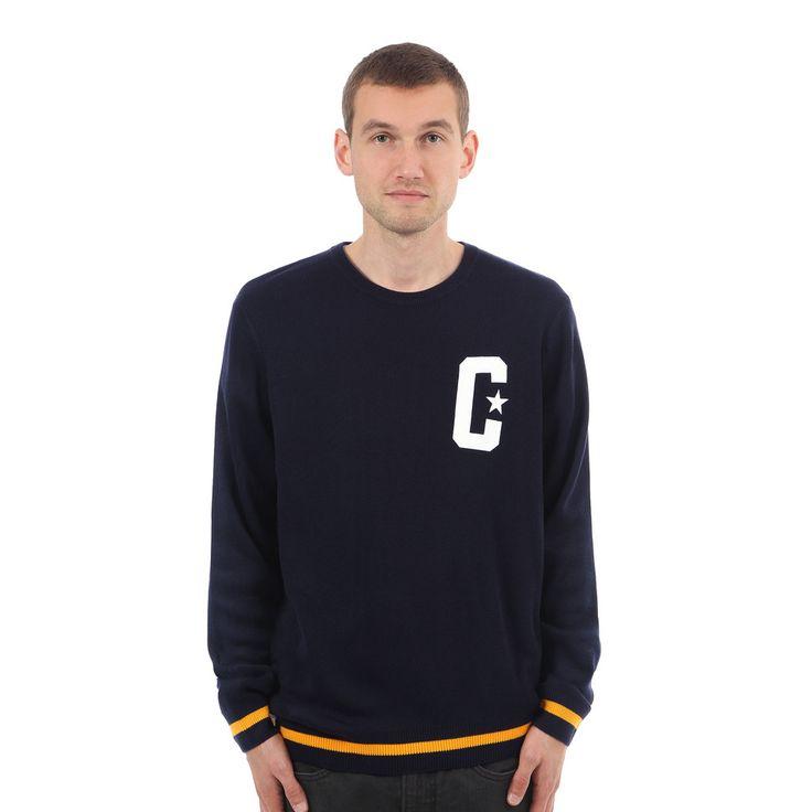 Carhartt's Elly Sweater ist ein wertiger Feinstricker im smarten College-Look mit rippgestricktem Bündchen am Rundhalsausschnitt, Carhartt's C-Applikation im passenden Stil links auf der Brust sowie rippgestrickten Bündchen mit Kontraststreifen als Abschluss der Körperpartie und Ärmel. Entspannter Schnitt; 100% Acryl (12 Gauge).