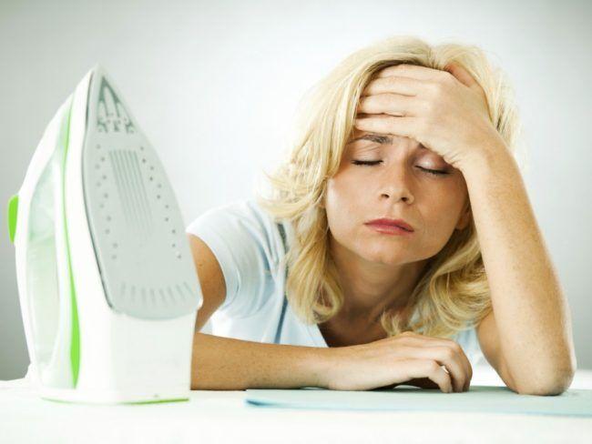 Μία από τις πιο κουραστικές αλλά και βαρετές δουλειές του σπιτιού δεν είναι άλλη από το σιδέρωμα. Ο χρόνος που απαιτείται για να σιδερώσουμε όλα τα ρούχα της οικογένειας είναι πάρα πολύ μεγάλος. Υπάρχει άραγε