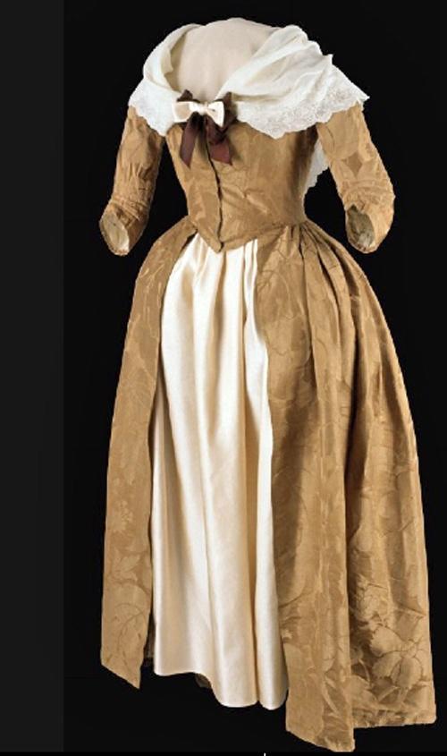 Gown, 1775-1780; Silk, Spitalfields, 1740; England, Silk damask, linen lining. © 2013 The Colonial Williamsburg Foundation