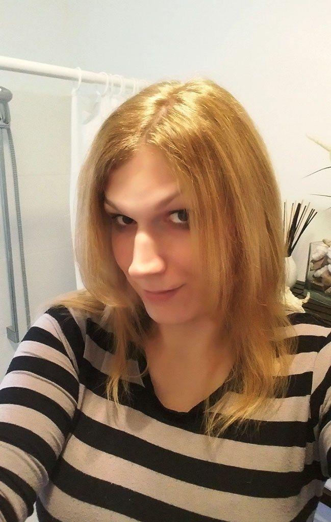 L´Oreal Excellence Creme - 10 Lichtblond. Produktvorstellung, Test und Freude über meine neuen blonden Haare