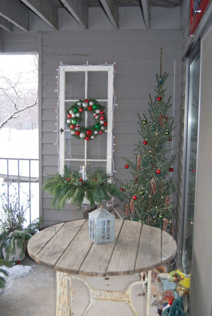 10 amazing diy christmas balcony design ideas for your inspiration decorating with christmas on christmas balcony decorations apartment patio id=45042
